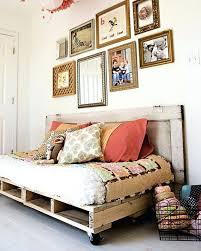 canapé lit en palette canape canape lit palette gallery of fabriquer des meubles avec