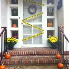 9 spooky halloween door designs