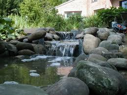 fontaine en pierre naturelle aquatic design concept et garden u2013 cascade galets et pierres