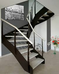 treppen meister halbgewendelte treppe holzstufen metallstruktur ohne