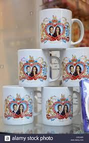 wedding souvenirs william kate middleton royal wedding souvenirs mugs plates