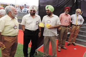 photo2 jpg picture of balbir chandigarh golf polling 2018 900 brave the heat an equal no