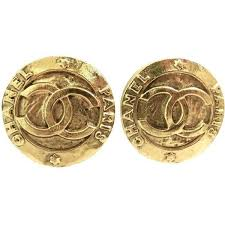 what are clip on earrings best 25 chanel logo earrings ideas on chanel ring