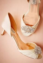 wedding shoes kitten heel libretto kitten heel green wedding shoes weddings fashion