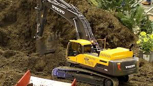 volvo media site huge rc volvo ec480d 1 14 5 scale model excavator at the rc