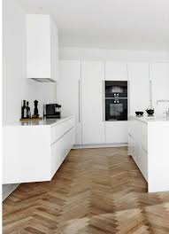weisse hochglanz küche die besten 25 küche hochglanz ideen auf hochglanz