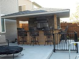 outdoor kitchen roof ideas best 25 covered outdoor kitchens ideas on outdoor