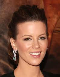 kate beckinsale u0027s retro short prom hairstyle short prom