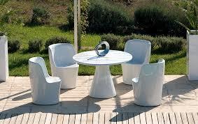 design gartentisch der gartentisch aus holz metall und kunststoff schöner wohnen