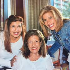 what does hoda kotb use on her hair hoda kotb with her sister and her mom hodakotb twitter