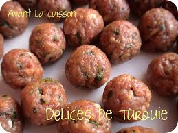 cuisiner boulette de viande boulettes de viande et pommes de terre en sauce patatesli sulu