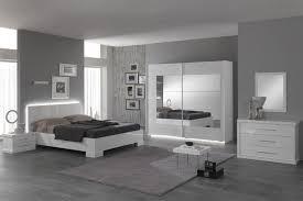 peindre une chambre en gris et blanc inouï chambre adulte noir et blanc couleur peinture chambre gris