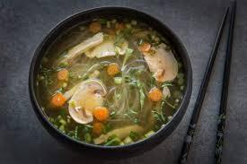 cuisiner vermicelle de riz soupe phô aux lamelles de poulet et vermicelles de riz maggi