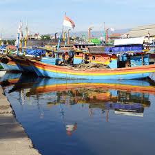 layout pelabuhan benoa perahu nelayan di pelabuhan probolinggo jawa timur indonesia