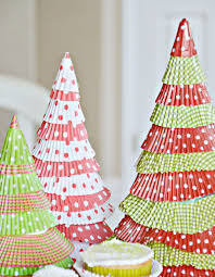 cupcake liner christmas trees allfreeholidaycrafts com