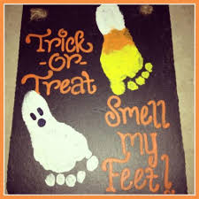Halloween Arts And Crafts Ideas Pinterest - footprint craft for halloween trick or treat smell my feet