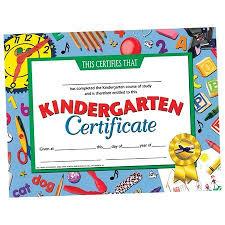 kindergarten graduation hats 18 best kindergarten diplomas images on kindergarten