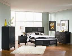4pc size bedroom set with wood grain in black