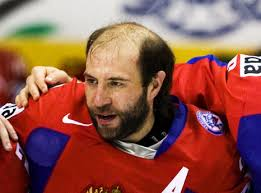 boys hockey haircuts 30 classic hockey hairdos total pro sports