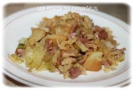 comment cuisiner un choux vert poêlée chou vert pommes de terre lardons les folies de