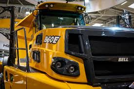 bell equipment unveils b60e 60 ton artic with 4 4 configuration