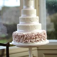 wedding cake glasgow wedding cake the glasgow wedding guide inspiration