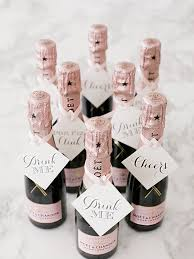 wedding gift ideas for guests 24 wedding favor ideas that don t mini chagne bottles