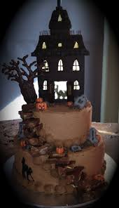 Halloween House Decorations Uk by Best 20 Haunted House Cake Ideas On Pinterest Halloween Cakes