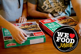a pizza the action papa john u0027s new papa u0027s deep crust pizza