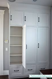 Mudroom Layout by Best 25 Built In Lockers Ideas On Pinterest Mudroom Cubbies