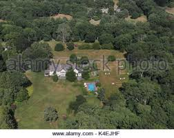 Clinton Estate Chappaqua New York President Clinton And Hillary Home Compound Behind Walls In