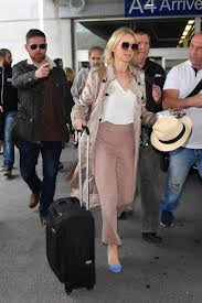 traveling outfits images What to wear on a flight and outfits for traveling in the summer jpg