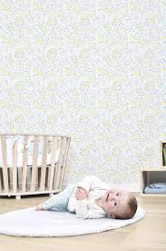 tapisserie chambre bebe papier peint chambre bebe avec papier peint enfant pois multicolores