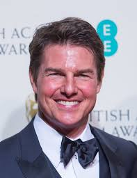 what happened to tom cruise u0027s face viewers say actor looks
