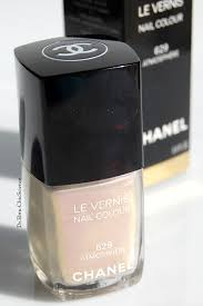 chanel atmosphere le vernis nail polish review swatches and