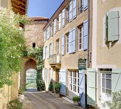 chambres d hotes gers chambre d hôtes maison de la porte fortifiée à montesquiou gers