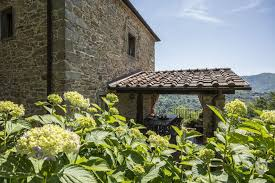 the tuscan house medieval farmhouse immersed in the green of the tuscan hills in