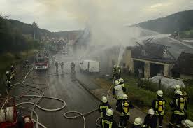 Feuerwehr Bad Wildbad Fw Cw Brand Zweier Wohnhäuser Pressemitteilung