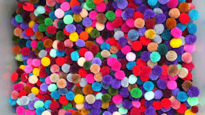 100 pom pom 1 inch or 20mm mixed your colors