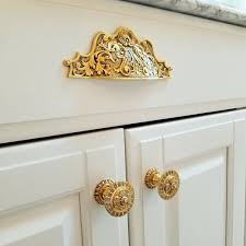 what color knobs on cabinets what hardware goes with white cabinets notting hill