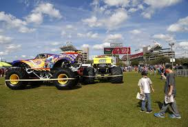 monster truck show green bay monster jam fans tune up for stadium spectacle tbo com