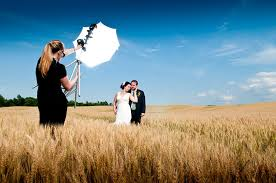 local wedding photographers obtaining a wedding photographer and determining desired