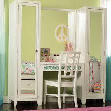 Bedroom Makeup Vanity Set Furniture Splendid Design Of Makeup Vanity Sets To Create Perfect