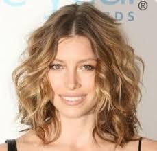 medium length hairstyles for permed hair beach wave perm medium length hair hairstyles pinterest