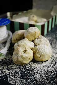 russian tea cakes and the christmas cookies i made easy to cook