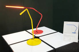 this rubber jointed led table lamp can bend in any direction like