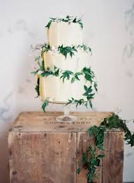 wedding cake greenery 20 purely beautiful wedding cakes with greenery weddingomania