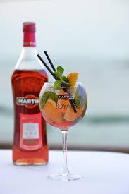 martini rosato happy hour vida magazine malta