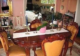 Ebay Home Interior Pictures by Ebay Sellers Accidentally Post Very Revealing Pictures On The