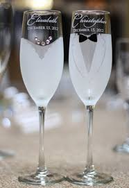 wedding gift glasses 2 engraved wedding glasses personalized chagne glasses wedding